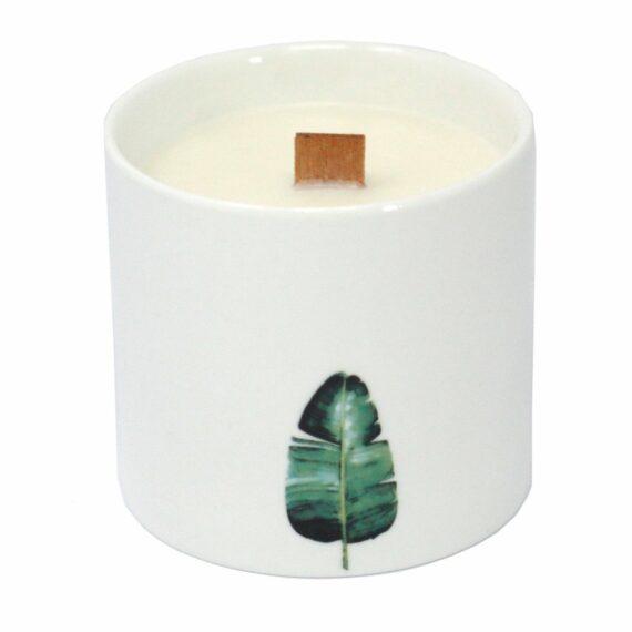 """Aromaterapinė žvakė iš sojų vaško """"Gaivūs bijūnai"""""""